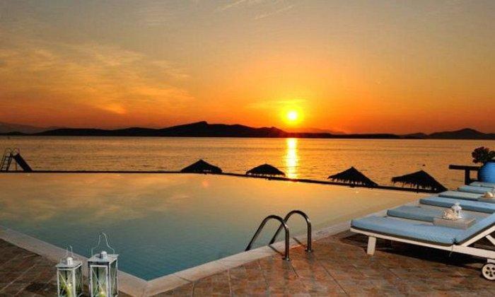 Αγιου Πνευματος απο 85€ ανα διανυκτερευση με Ημιδιατροφη για 2 ενηλικες (και 2 παιδια, το 1ο εως 12 ετων και το 2ο εως 3 ετων) Αγιου Πνευματος (25-28/05/2018) στο Venus Beach Hotel