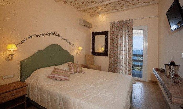 Πάσχα από 280€ για 3 διανυκτερεύσεις με Ημιδιατροφή για 2 ενήλικες (και 2 παιδιά, το 1ο έως 12 ετών και το 2ο έως 4 ετών) Ισχύει για Πάσχα στο Venus Beach Hotel εικόνα