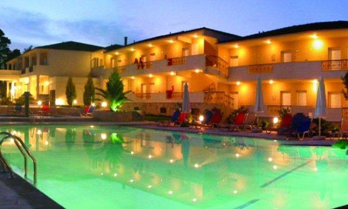 Προσφορά από 89€ ανά διανυκτέρευση με Ημιδιατροφή για 2 ενήλικες και 1 παιδί έως 5 ετών Ισχύει έως 23/08 στο Paradise Hotel
