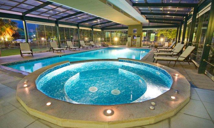 Προσφορά Πάσχα από 350€ για 3 διανυκτερεύσεις με Ημιδιατροφή (Πλήρης διατροφή την Κυριακή του Πάσχα) για 2 ενήλικες (και έως 2 παιδιά έως 15 ετών) στο 5* Cronwell Platamon Resort