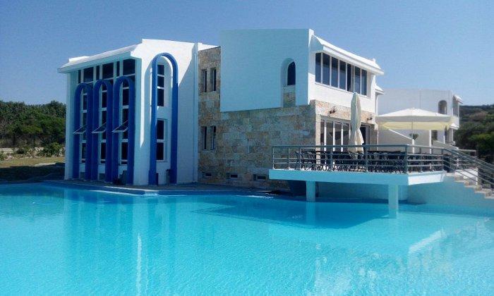 απο 149€ ανα διανυκτερευση με Ημιδιατροφη για 2 ενηλικες (και 1 παιδι εως 13 ετων) Απο 29/06 εως 25/08 στο 4* Skion Palace Beach Hotel