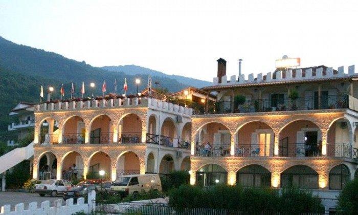από 47€ ανά διανυκτέρευση με Πρωινό για 2 ενήλικες (και 1 παιδί έως 8 ετών) Από 1/09 έως 30/09 στο Hotel Alexiou