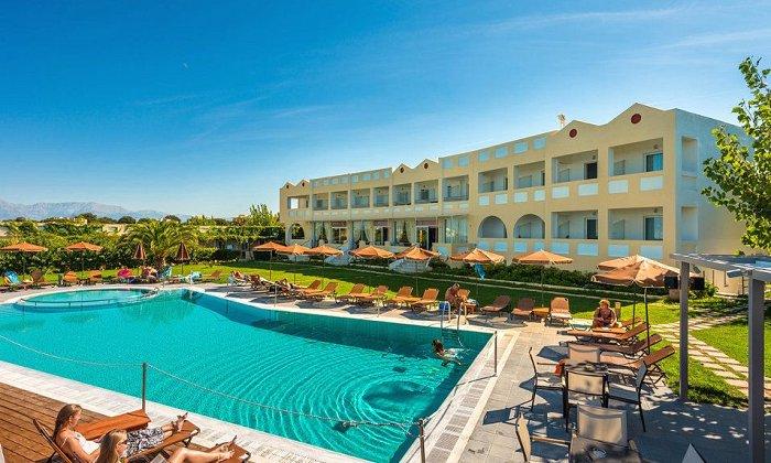 Προσφορά από 390€ για 5 διανυκτερεύσεις με Ημιδιατροφή ή Πλήρη Διατροφή για 2 ενήλικες και 1 παιδί έως 12 ετών Ισχύει έως 30/06 και από 1/09 έως 19/09 στο Niforeika Beach Hotel and Bungalows