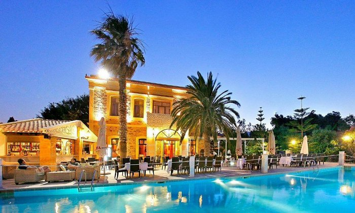 Προσφορά από 648€ για 5 διανυκτερεύσεις με Ημιδιατροφή για 2 ενήλικες (και 1 παιδί έως 5 ετών) Ισχύει από 15 έως 28/07 και από 16 έως 31/08 στο 4* Grecian Castle Chios
