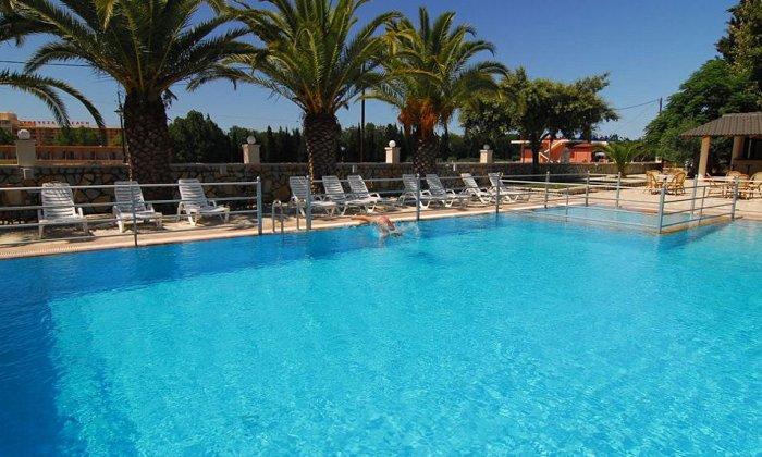 από 341€ για 4 διανυκτερεύσεις με Ημιδιατροφή για 2 ενήλικες (και 2 παιδιά έως 8 ετών) Από 25/08 έως 15/10 στο Cleopatra Beach Hotel