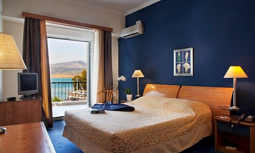 4* Lucy Hotel, Χαλκίδα