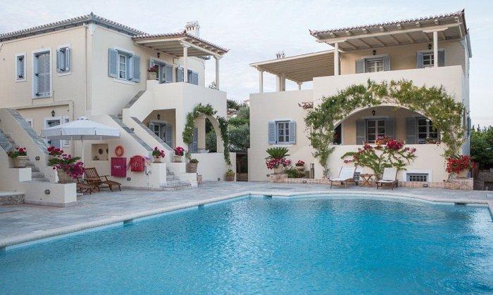 από 129€ ανά διανυκτέρευση με πρωινό για 2 άτομα Έως 30/06 στο Villa Nika Boutique Hotel