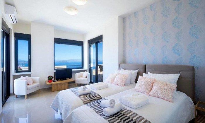 από 100€ ανά διανυκτέρευση Room Only για έως 5 άτομα Από 9/09 έως 30/11 στο Koukouvaya Superb Penthouse