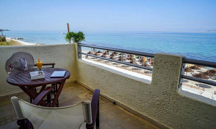 απο 60€ ανα διανυκτερευση με πρωινο για εως 3 ατομα Έως 14/06 και απο 16/09 εως 31/10 στο Kokoni Beach Hotel