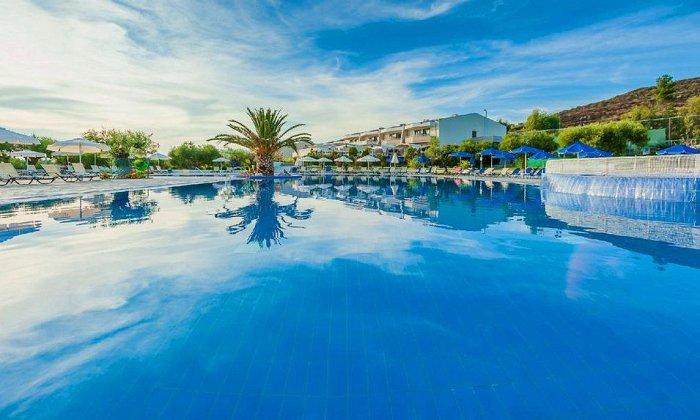 απο 96€ ανα διανυκτερευση με Ημιδιατροφη για 2 ενηλικες (και 1 παιδι εως 14 ετων) Έως 30/10 στο 5* Anastasia Resort & Spa