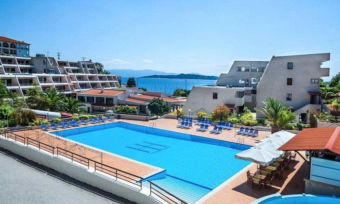 από 72€ ανά διανυκτέρευση Ημιδιατροφή για 2 ενήλικες Έως 14/10 στο 4* Theoxenia Hotel Chalkidiki