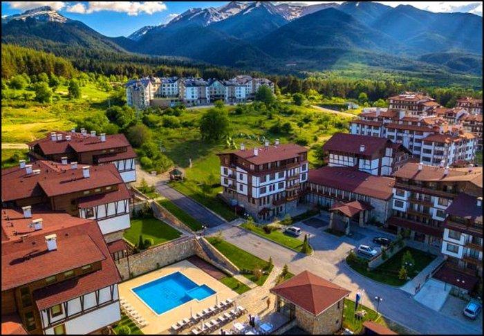 Χριστούγεννα από 195€ για 3 διανυκτερεύσεις με πρωινό για 2 ενήλικες (και 1 παιδί έως 2 ετών) Ισχύει για Χριστούγεννα στο 4* Green Life Ski & Spa Resort