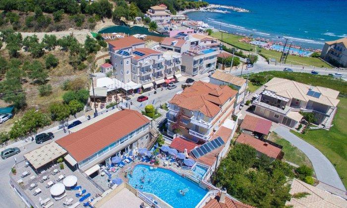 από 86€ ανά διανυκτέρευση με ημιδιατροφή για 2 ενήλικες (και 1 παιδί έως 2 ετών) Έως 31/08 στο Planos Beach Hotel