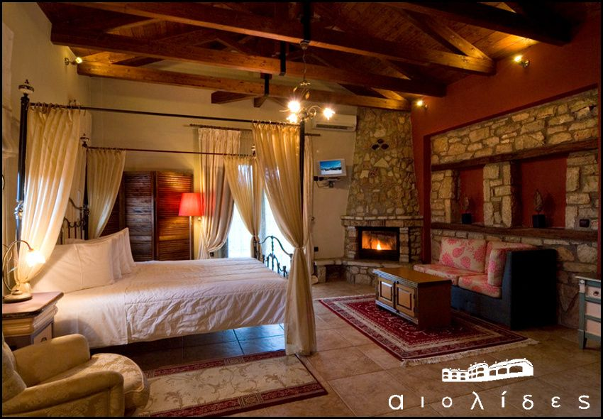 Διαμονη στα Καλυβια Πεζουλας στη Λιμνη Πλαστηρα στις παραδοσιακες κατοικιες Aiolides με 45€ ανα διανυκτερευση (ελαχιστο 2 διανυκτερευσεις) με πρωινο σε δικλινο δωματιο με Θεα τη λιμνη για 2 ενηλικες και 1 παιδι εως 6 ετων! Προσφερεται γλυκο καλωσορισματος καθως και Early check in απο τις 11.00 – Late check out εως τις 16.00 κατοπιν διαθεσιμοτητας! Δωρεαν υπηρεσια room service για το πρωινο σας στο δωματιο! Δυνατοτητα και για επιπλεον δι…