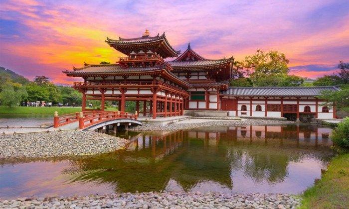 Ανθισμένες κερασιές, Ιαπωνία! 11 ημέρες αεροπορικώς από Αθήνα. Διαμονή σε ξενοδοχεία 4* με ημιδιατροφή. Μεταφορές και ξεναγήσεις σε Οσάκα, Νάρα, Κόγια, Χιροσίμα, Μιγιατζίμα, Κιότο, Λίμνη Άσι (όρος Φούτζι), Χακόνε, Τόκιο, Νίκκο.