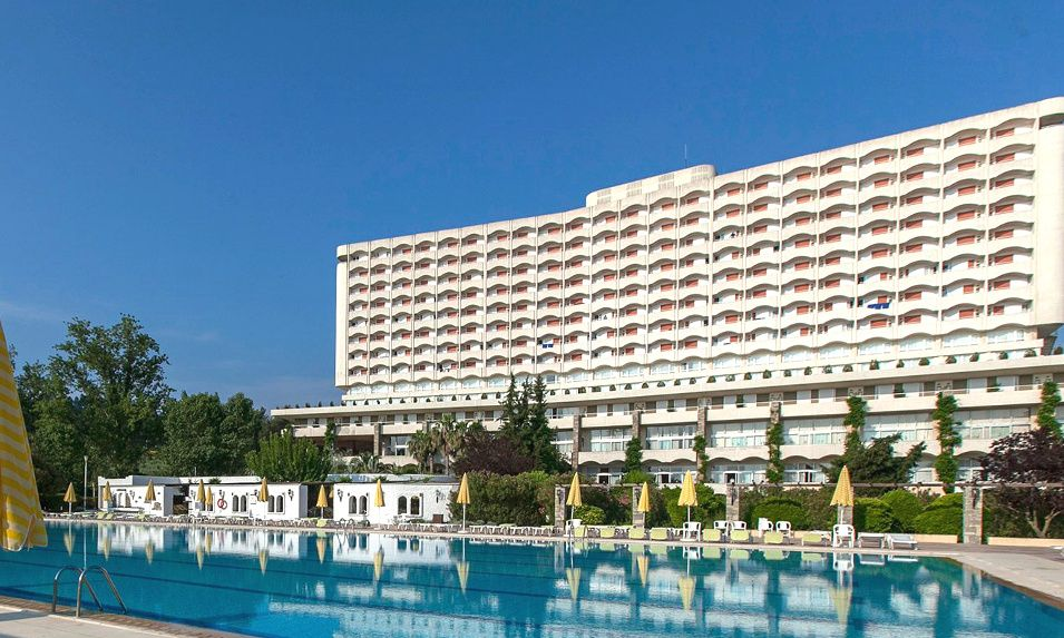 Πάσχα από 258€ για 3 διανυκτερεύσεις με Ημιδιατροφή στο 4* Athos Palace στην Χαλκιδική εικόνα