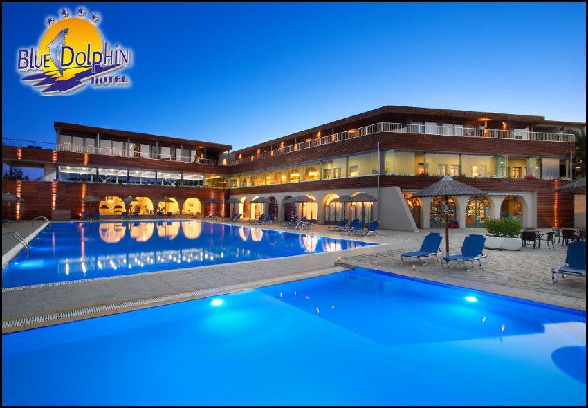 Διαμονη στη Χαλκιδικη στο παραθαλασσιο 4* Blue Dolphin Hotel με 704€ για 5 ημερες – 4 διανυκτερευσεις με Ημιδιατροφη σε δικλινο δωματιο η με 768€ σε Superior δικλινο για 2 ενηλικες και 1 παιδι εως 12 ετων! 90′ δωρεαν χρηση του Spa (σαουνα, χαμαμ, τζακουζι) για καθε ενηλικα! Kαθημερινα πλουσιο πρωινο και δειπνο σε μπουφε! Παρεχεται early checkin – late check out! Mini Club για καθημερινη απασχοληση παιδιων με πλουσιο προγραμμα δραστηριο…