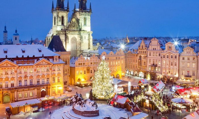 Χριστούγεννα 8 ημέρες οδικώς από Αθήνα. Διαμονή σε ξενοδοχεία 3* και 4* με πρωινό και 3 δείπνα. Μεταφορές και ξεναγήσεις σε 4 χώρες: Βουδαπέστη, Βιέννη, Πράγα, Ζάγκρεμπ.