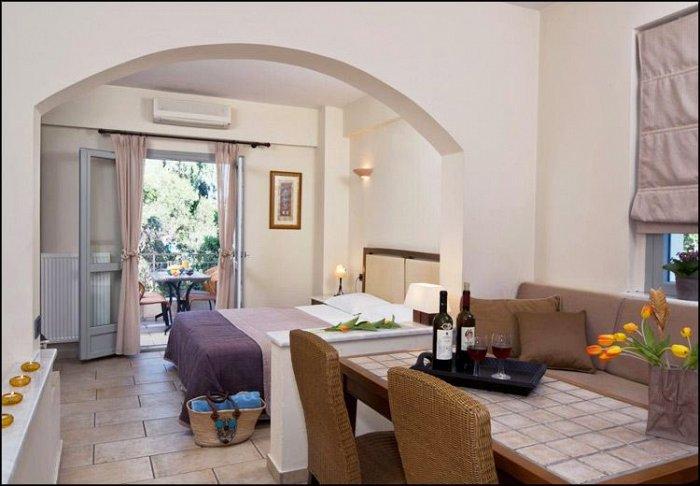 από 50€ ανά διανυκτέρευση για 2 ενήλικες και 1 παιδί έως 12 ετών Ισχύει έως 20/12 στο Harmony Hotel Apartments