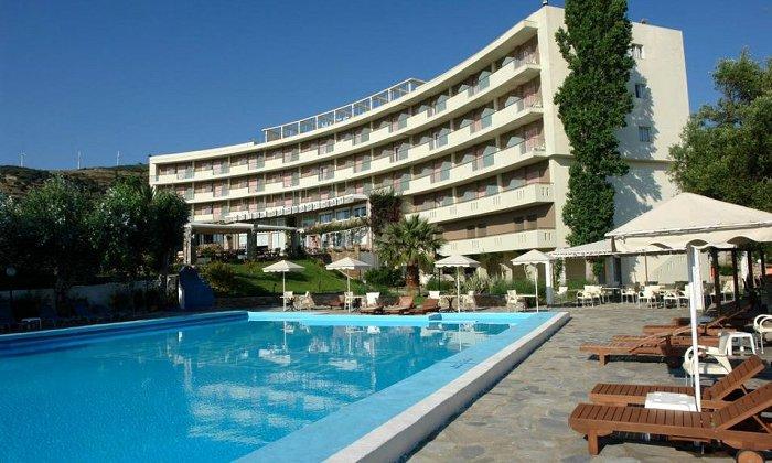 Προσφορά Πάσχα από 314€ για 3 διανυκτερεύσεις με Ημιδιατροφή για 2 ενήλικες και 1 παιδί έως 7 ετών στο Marmari Bay Hotel