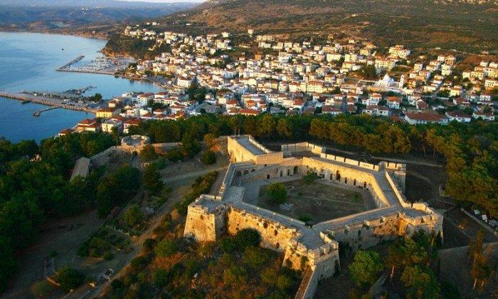 4 ημέρες με πούλμαν & συνοδό από Αθήνα. Διαμονή σε ξενοδοχείο 4* ή 5* της επιλογής σας με Ημιδιατροφή και Ρεβεγιόν. Επισκέψεις σε Αρχαία Μεσσήνη, Πάρκο Σιδηροδρόμων, Καλαμάτα, Πύλο, Μεθώνη, Αρεόπολη, Διρό, Αγία Θεοδώρα Βάστας. εικόνα