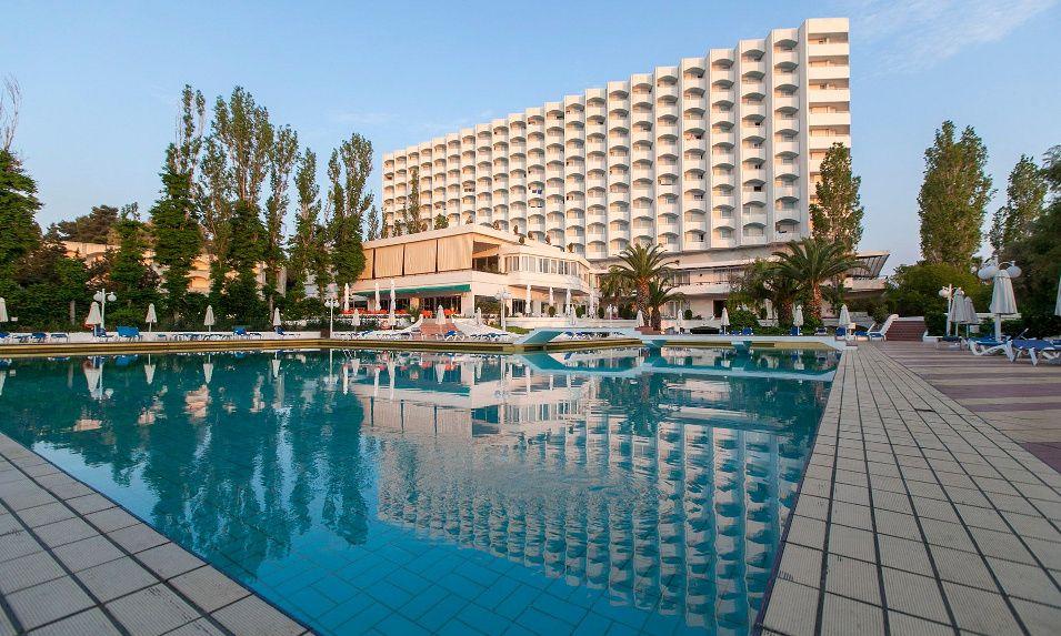 Πάσχα με 290€ για 2 ή 348€ για 3 διανυκτερεύσεις με Ημιδιατροφή στο 4* Pallini Beach Hotel στην Χαλκιδική εικόνα