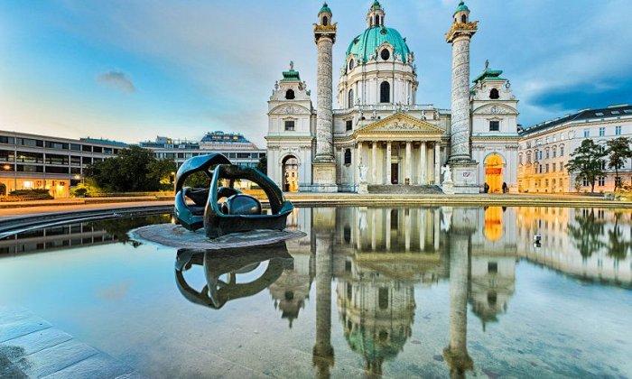 Χριστούγεννα 4 ημέρες αεροπορικώς (αναχώρηση), οδικώς (επιστροφή) & συνοδό από Θεσσαλονίκη. Διαμονή και ξεναγήσεις σε Βιέννη, Βουδαπέστη και Βελιγράδι σε ξενοδοχείά 4* με πρωινό και 2 δείπνα. εικόνα